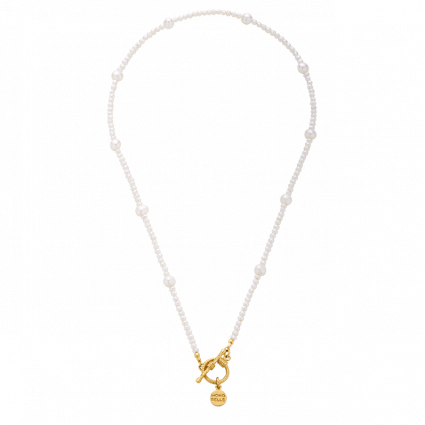 Pearl choker with decorative clasp